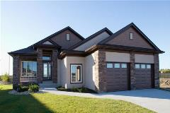 Ventura Custom Homes - Casselman Crescent